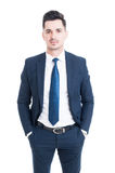 Jeune et belle position de vendeur d'isolement sur le backgroun blanc photos libres de droits
