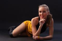 Jeune et sexy blonde ?tonnante photos libres de droits