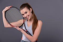 Jeune et sexy joueur de tennis Image stock