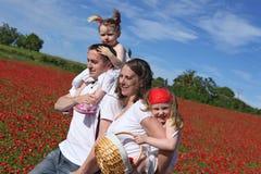Jeune famille en bonne santé photographie stock libre de droits