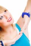 Jeune femelle dans la pose de danse Photos libres de droits