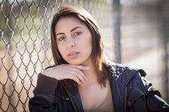 Jeune femme étouffante de métis Photo libre de droits