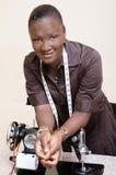 Jeune femme active Image stock