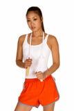 Jeune femme asiatique avec la corde de saut photo stock