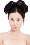 Jeune femme asiatique sensuelle avec le renivellement normal Photo libre de droits