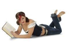 Jeune femme attirant avec le livre photo stock