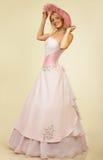 Jeune femme attirant dans la robe de soirée. Verticale. Image stock