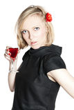 Jeune femme attirant retenant une glace de vin rouge Photo libre de droits