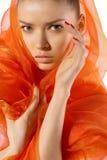 Jeune femme attirante de station thermale d'isolement sur le blanc Photographie stock