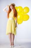 Jeune femme avec des ballons photos libres de droits