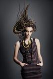Jeune femme avec des dreadlocks. Image stock