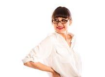 Jeune femme avec des glaces, main rouge de languettes sur la taille Photographie stock libre de droits