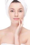 Jeune femme avec la peau parfaite de santé du visage Images stock