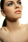 Jeune femme avec le beau visage sain Photos libres de droits