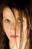 Jeune femme avec le cheveu humide photographie stock