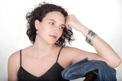 Jeune femme avec le cheveu noir Photographie stock
