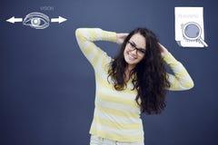 Jeune femme avec le fond avec le graphique, la flèche et les icônes tirés de gestion Image stock