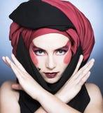 Jeune femme avec le maquillage créatif Photographie stock libre de droits