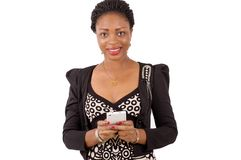 Jeune femme avec le téléphone portable Photographie stock libre de droits