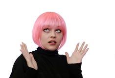 Jeune femme avec les poils roses Image libre de droits