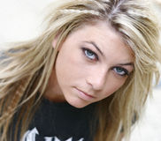 Jeune femme blonde Photo stock