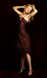 Jeune femme blonde attirante. Photo stock
