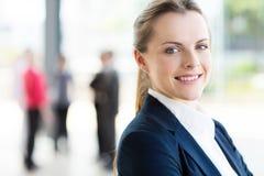 Jeune femme d'affaires Photo stock