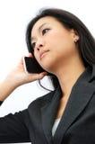 Jeune femme d'affaires au téléphone photo libre de droits