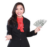 Jeune femme d'affaires avec des dollars dans des ses mains Images stock