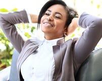 Jeune femme d'affaires d'afro-américain Image stock