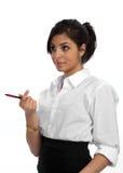 Jeune femme d'affaires impliquée dans la discussion Photo stock
