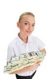 Jeune femme d'affaires tenant l'argent et le sourire Image stock