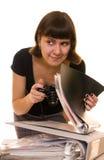 Jeune femme dans des sundress de jeans Images libres de droits