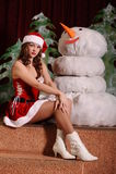 Jeune femme dans la robe de snowgirl Image libre de droits