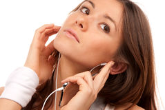 Jeune femme de brunette parlant sur le portable Images libres de droits