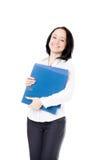 Jeune femme de bureau avec des dossiers de document sur le fond blanc Photos libres de droits