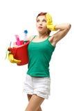 Jeune femme de nettoyage Photo stock