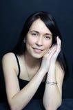 Jeune femme de sourire de brunette Images libres de droits