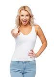 Jeune femme de sourire heureuse avec les cheveux blonds photographie stock libre de droits
