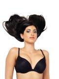 Jeune femme du Moyen-Orient dans reposer noir de soutien-gorge Photo stock