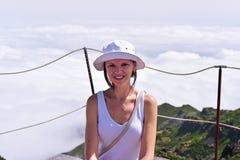 Jeune femme en nuages Image libre de droits
