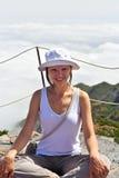 Jeune femme en nuages Photos libres de droits