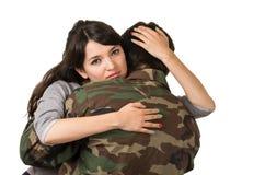 Jeune femme et soldat dans l'uniforme militaire Images libres de droits