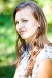 Jeune femme extérieure image libre de droits