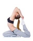Jeune femme faisant des exercices de forme physique images stock