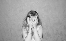 Jeune femme fatiguée Photo libre de droits