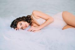 Jeune femme gaie Photographie stock