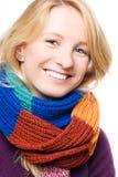 Jeune femme heureux dans une écharpe Image libre de droits