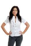 Jeune femme hispanique avec des mains sur des gratte-culs images libres de droits