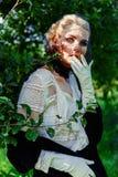 Jeune femme magnifique dans le voile images libres de droits